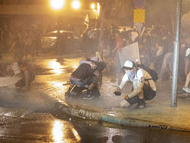 VIDEO: Izraelska policija upotrijebila vodene topove, uhapšeno 55 lica