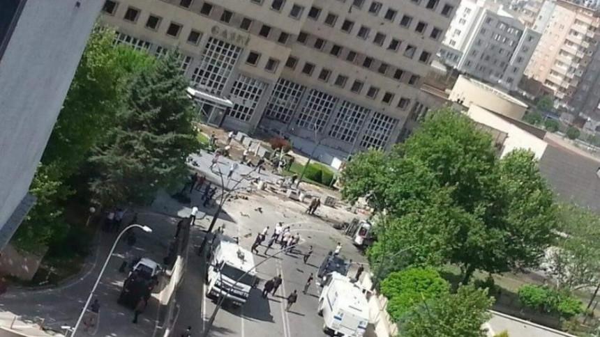 Poginula jedna, ranjeno 13 osoba