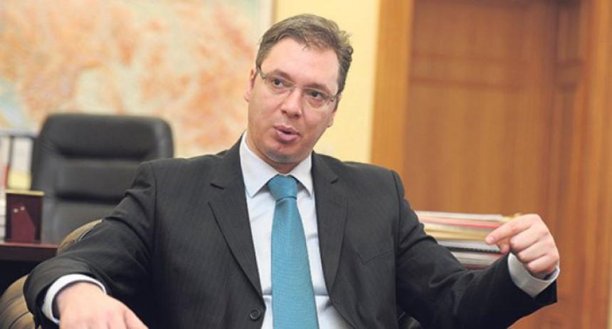 Vučić: Opoziciji neću dati da ruši državu
