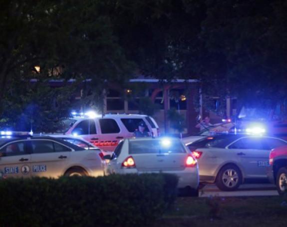 Napad: Ubijeno najmanje 12 osoba