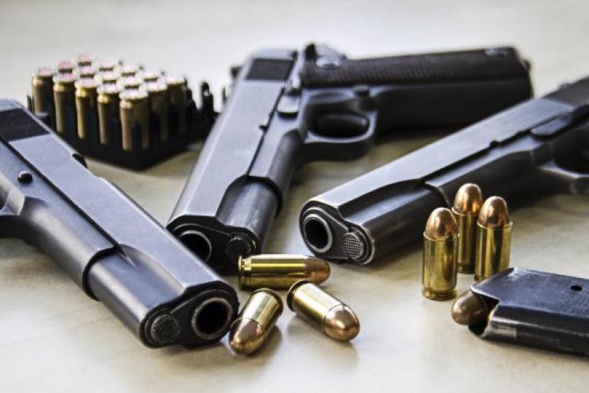 Garaža puna oružja na Novom Beogradu