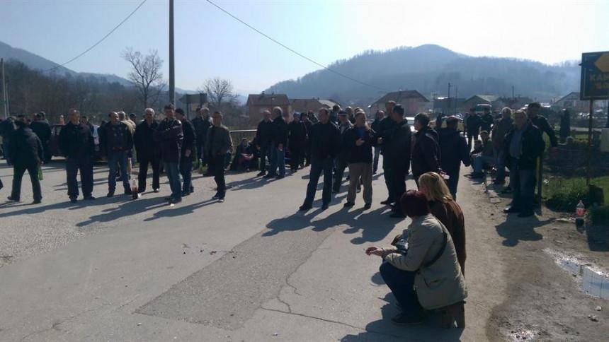 Građani prekinuli blokadu ulica