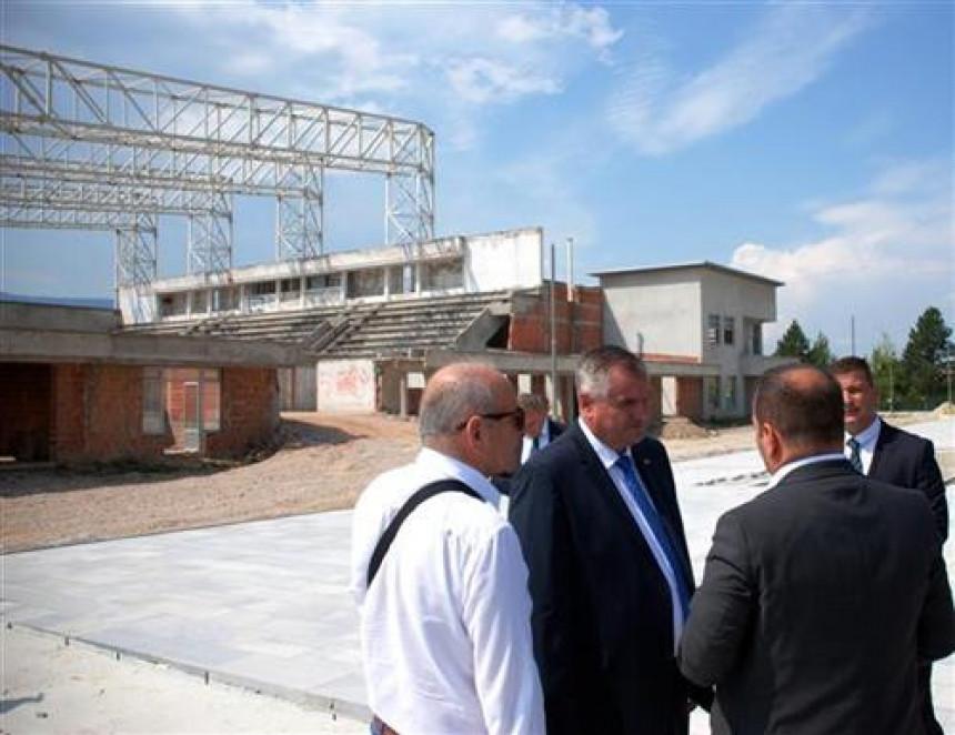 Vlada će pomoći gradnju pozorišta, dvorane, Trg...