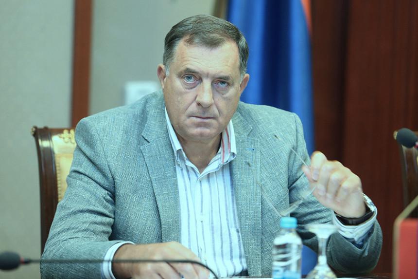 Milorad Dodik tvrdi da neće dizati revoluciju