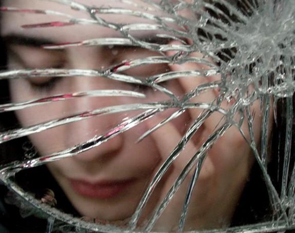 Znate li zašto se kaže da razbijeno ogledalo donosi nesreću?
