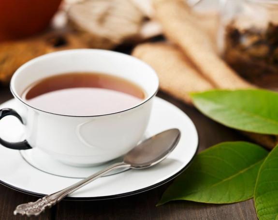Ne miješajte čaj kružnim pokretima