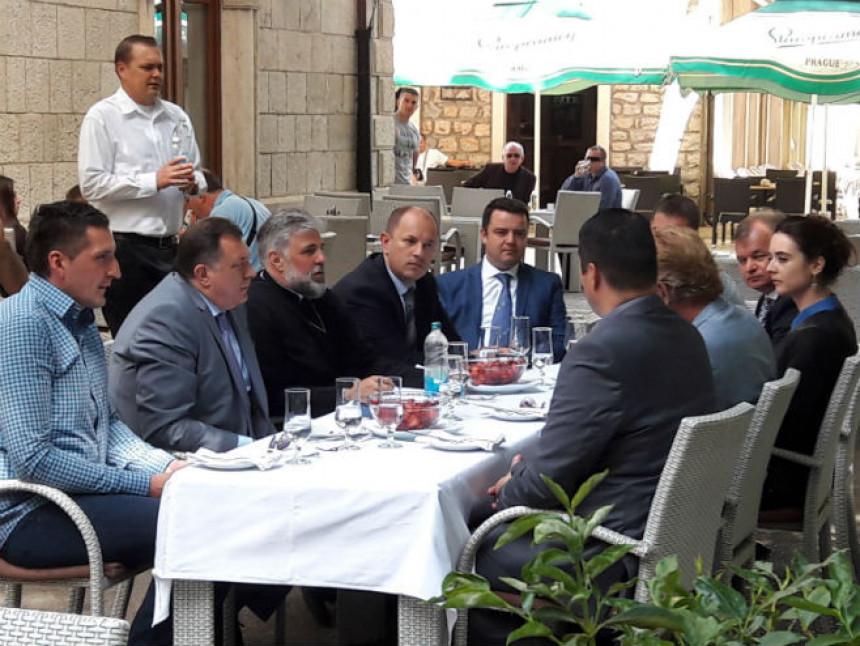 """Sastanak Dodika i """"velikih biznismena""""!?"""