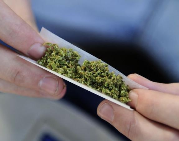 Jamajka, automati za marihuanu na aerodromima?