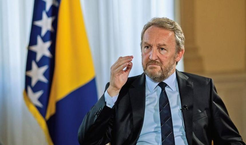 Izetbegović: Neću promijeniti stav o NATO putu BiH