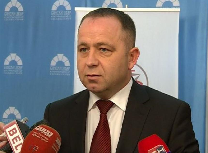 Maksimović protiv Mićićeve kandidature