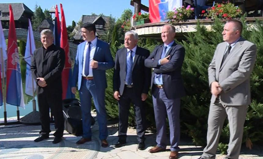 Bijeljina: 12 političkih partija stalo uz Mićića