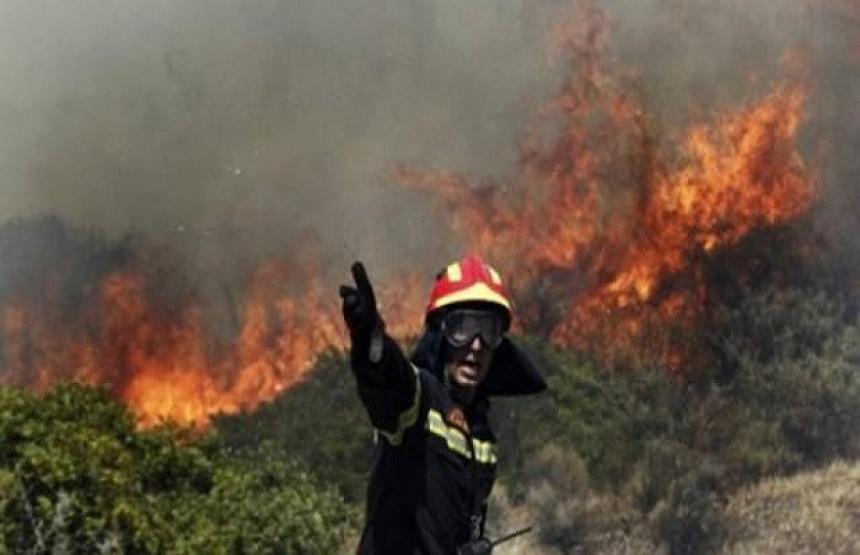 Vatra ugrožava kuće u trebinjskim selima