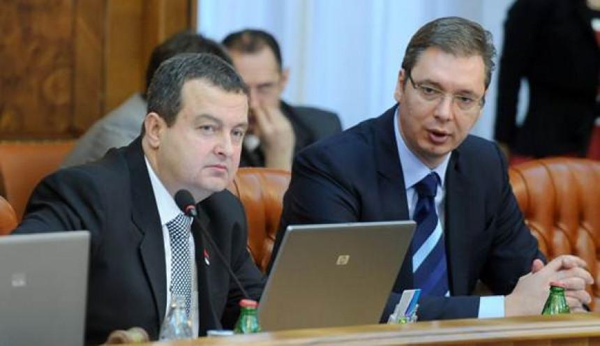 Vučić šalje Dačića u opoziciju