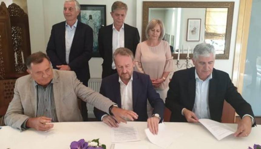 Pročitajte šta su potpisali Bakir, Čović i Dodik!