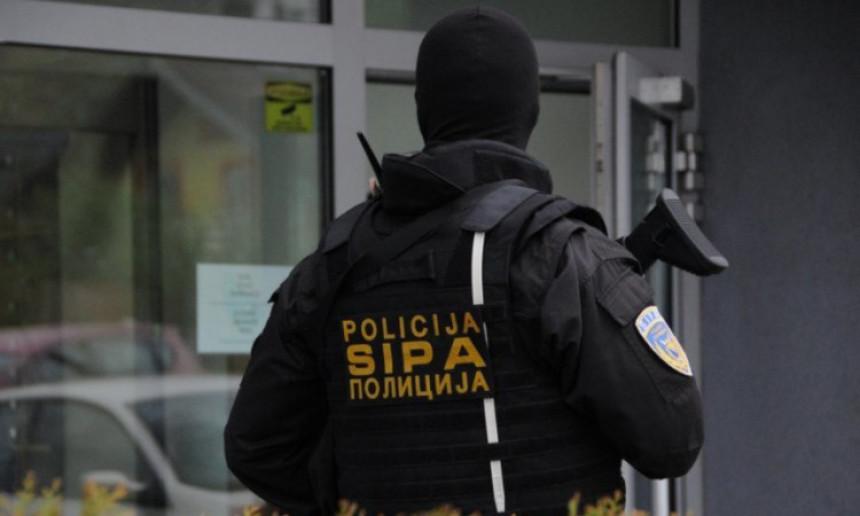 Hapšenja i pretres: Oštetili banku za 1,1 milion KM