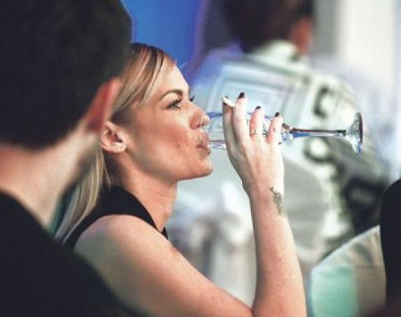 Nataša Bekvalac: Volim da popijem