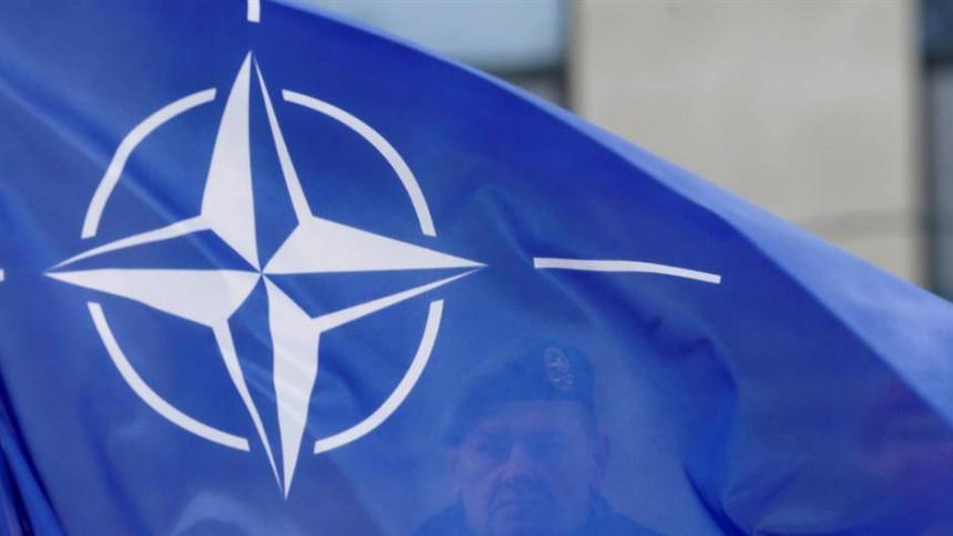 Ustaško pjevanje pod zastavom NATO