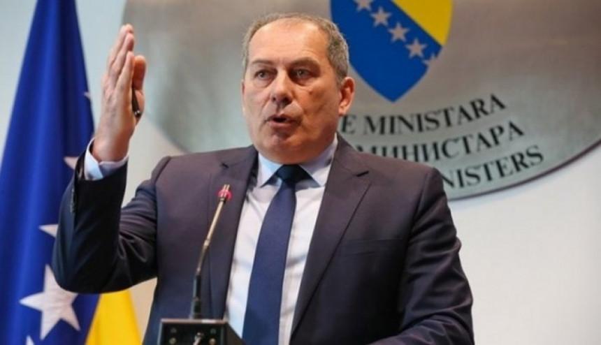 Dodik za NATO nakon žaljenja progona Srba