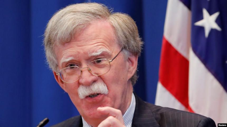 SAD pojačava pritisak: Bolton uskoro u Srbiji?