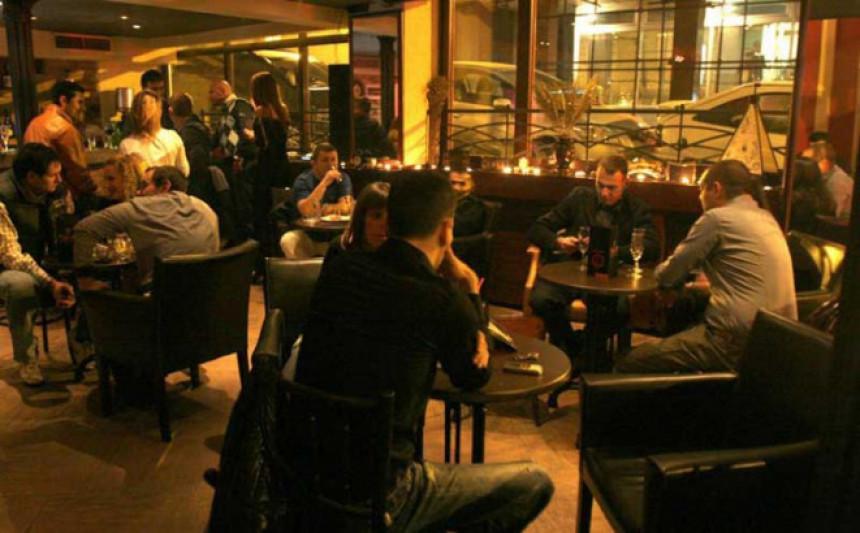 Пљуште казне за власнике кафића