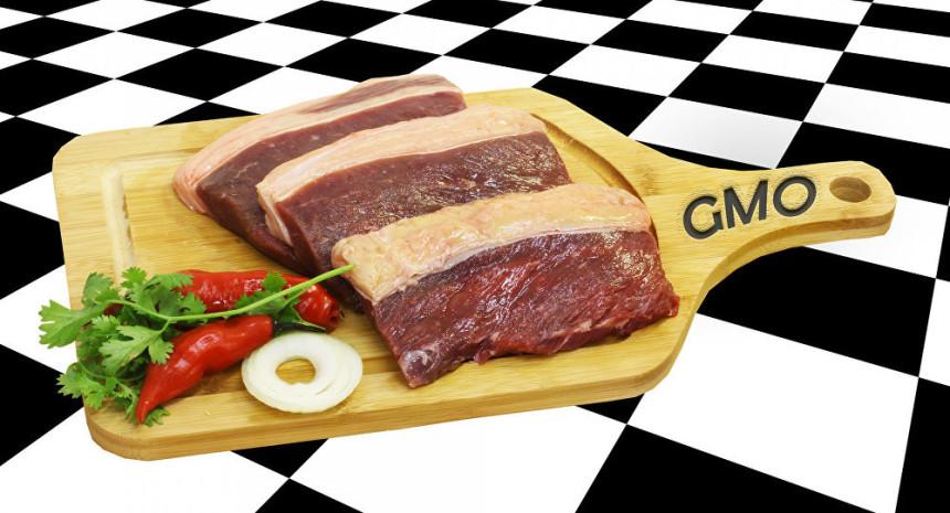 Srbi godišnje pojedu 7,5 tona GMO mesa