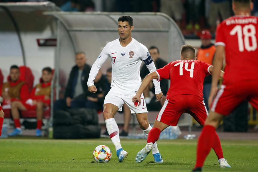 Poraz pred 40.000 navijača: Srbija - Portugal (2:4)