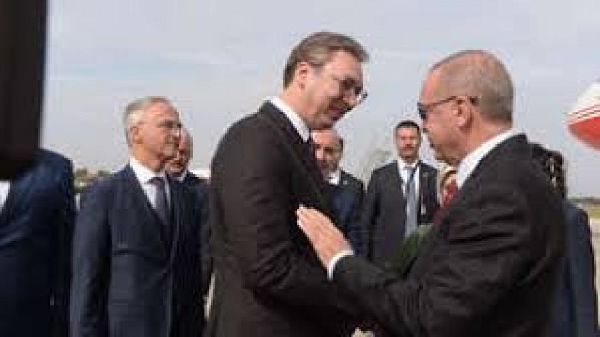 Erdogan stigao u Beograd, dočekao ga Vučić