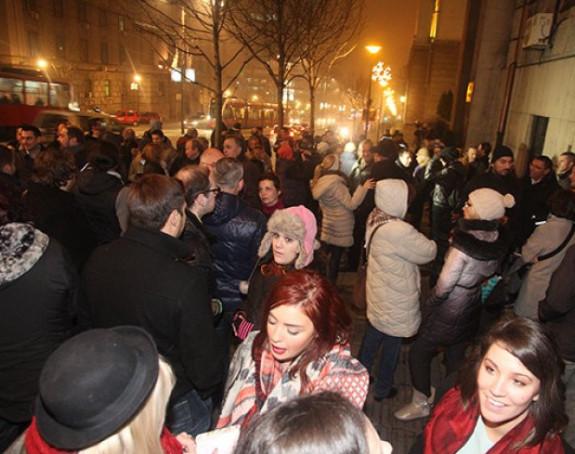 Protest novinara ispred zgrade Vlade Srbije