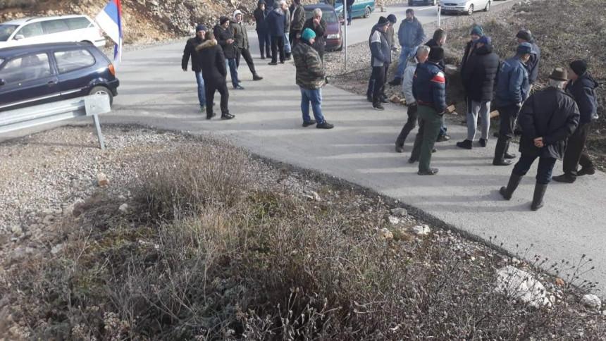 Radnici ogorčeni zbog otpuštanja