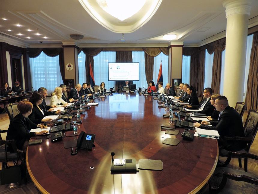 Vlada se zadužila 17 od planiranih 30 miliona KM