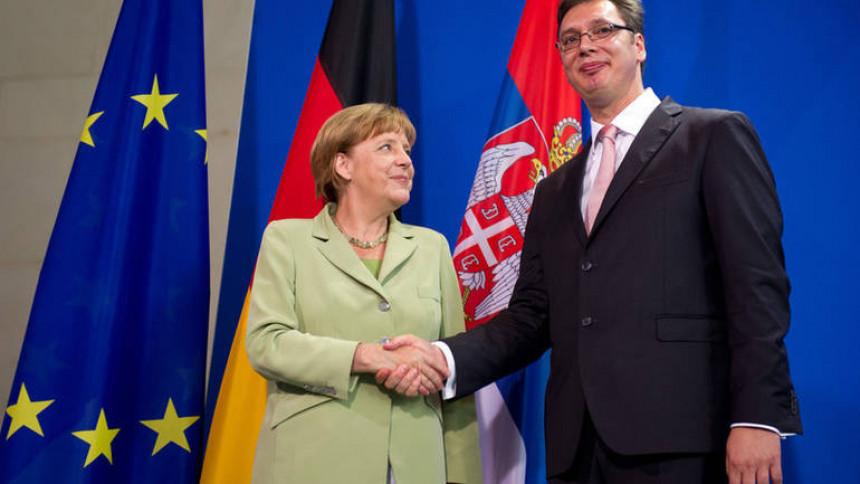 Merkel: Vučić se bori za stabilnost