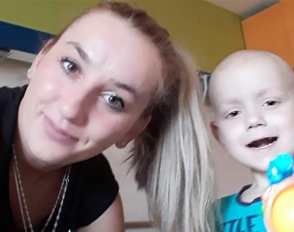 Pomozimo malom Luki koji se bori s leukemijom