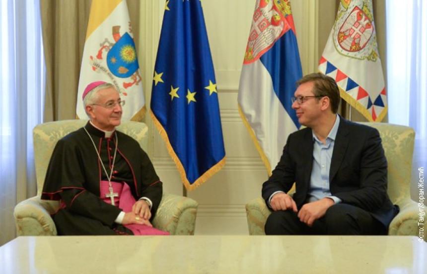 Папа позвао Вучиц́а да посјети Ватикан