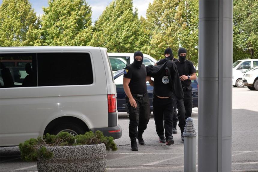 Uhapšena lica po migrantu uzimali hiljadu evra