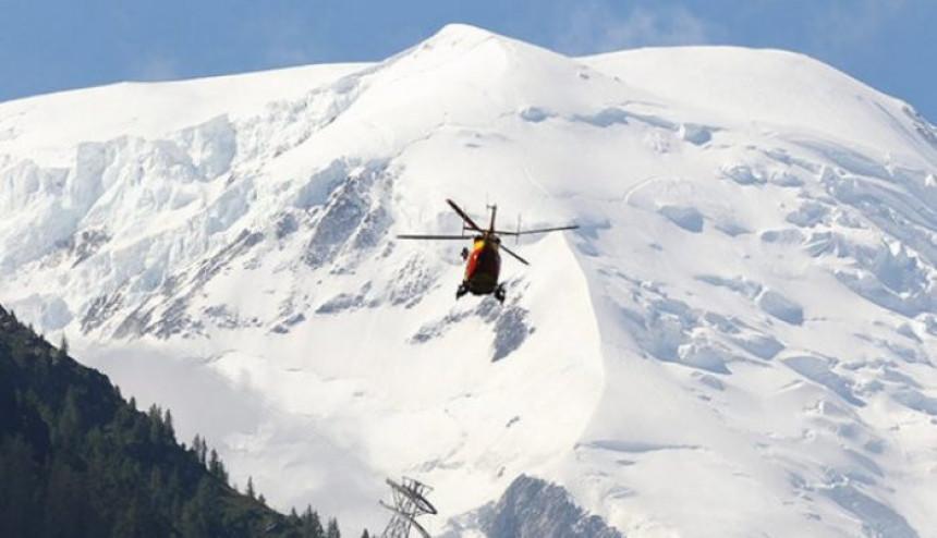 Poginula dva skijaša u lavini na Alpama
