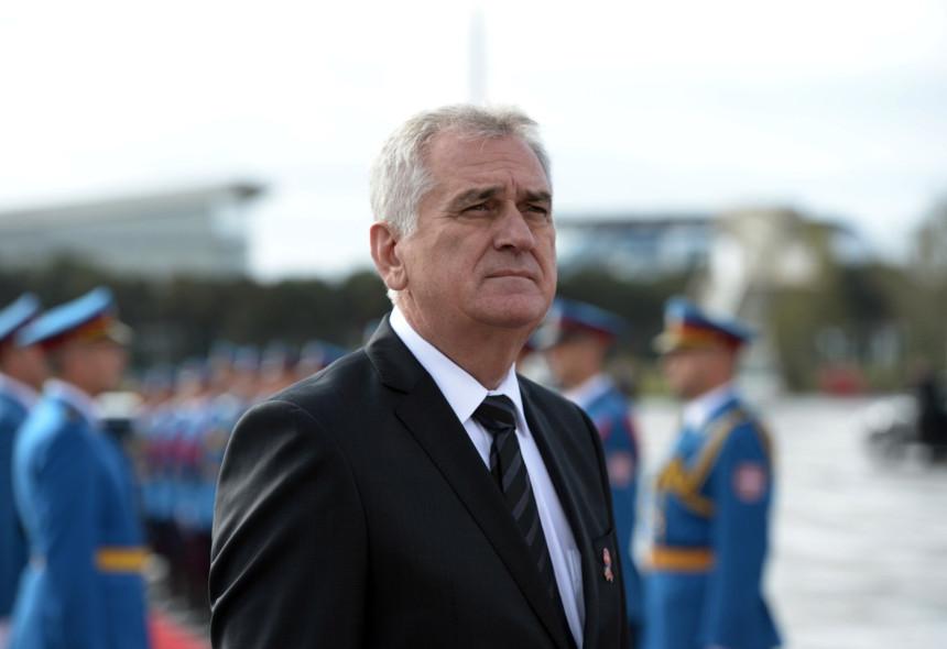 Nikolić: Ne isticati jedan narod kao žrtvu