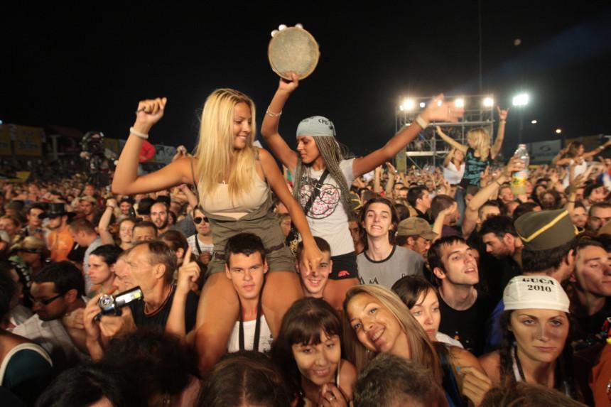 Егзит и Гуча: Због пијанке или музике?