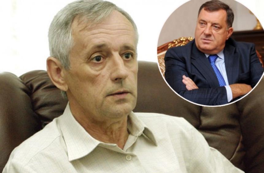 """Vasić žestoko opleo po Dodiku, Mektić ga """"tješi"""""""