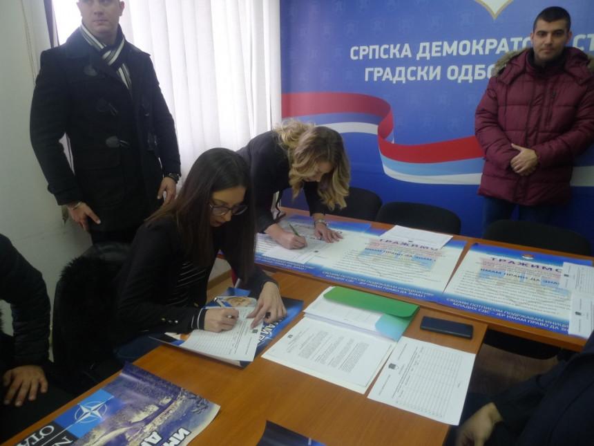 Aktiv mladih SDS Bijeljina: Imam pravo da znam!