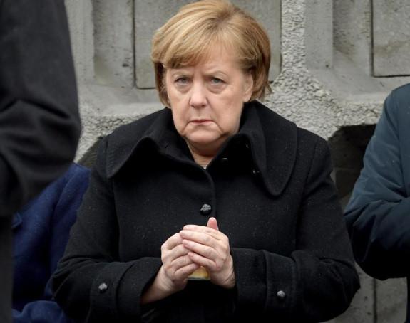 Angela Merkel u žalosti za majkom