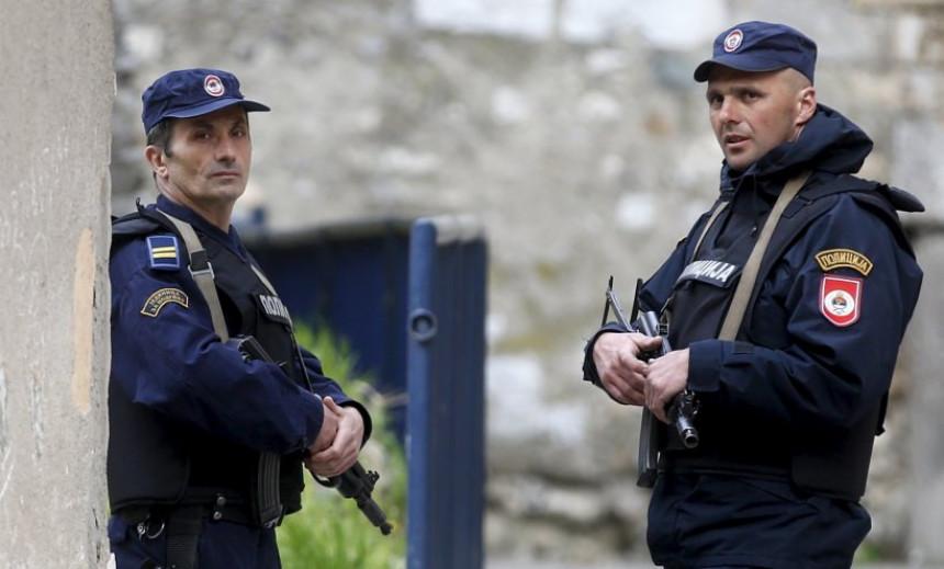 Пет година робије за напад на полицајца