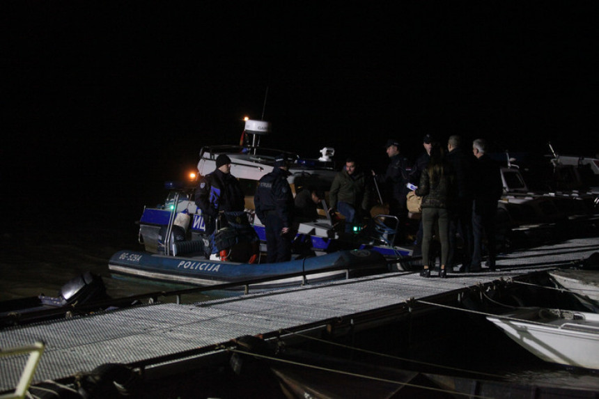 Utopili se nakon prevrtanja čamca