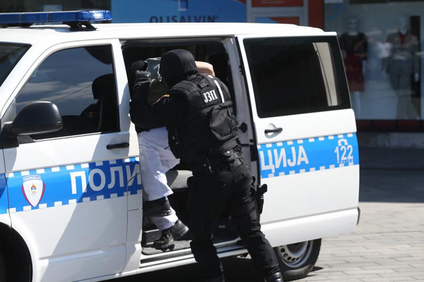 Bivši policajac prijetio smrću?