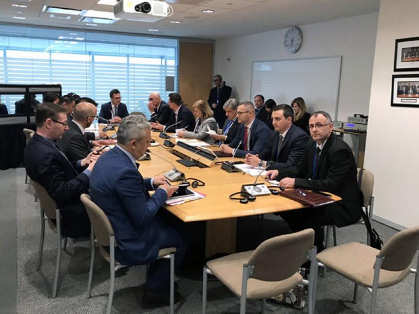 Savjet ministara pa krediti MMF-a