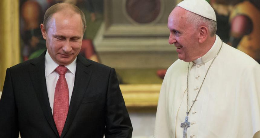 Papa Franjo voli Vladimira Putina