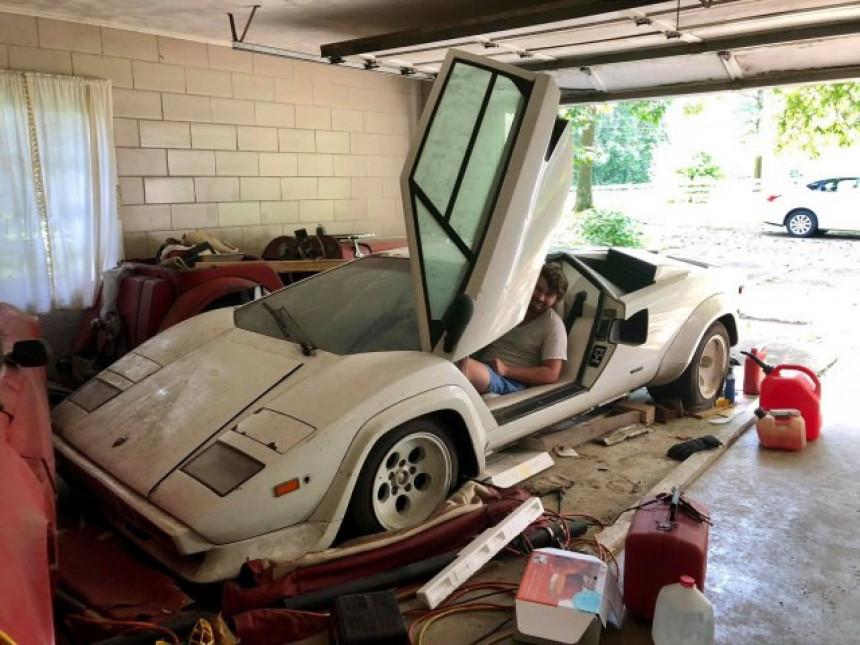 U djedovoj garaži našao lamborghini