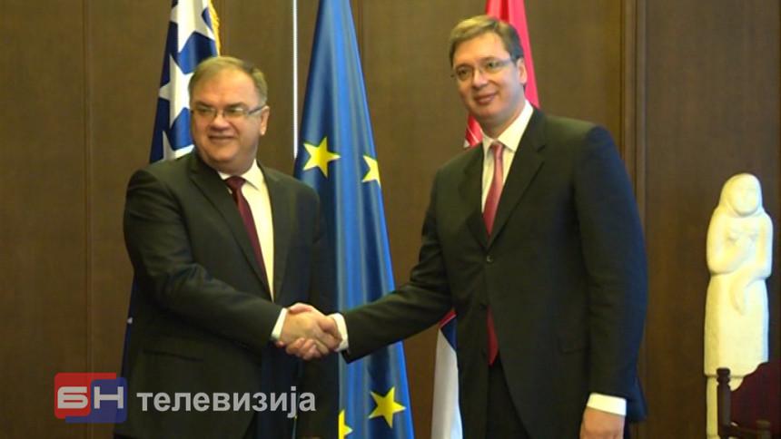 Vučić - Ivanić: Srbija želi najbolje odnose