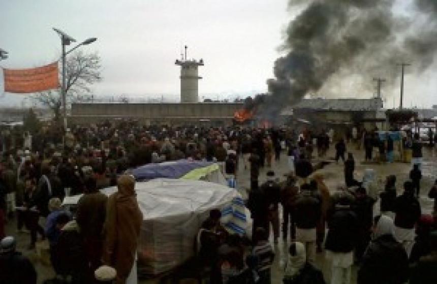 Protesti ispred baze SAD u Avganistanu zbog paljenja Kurana