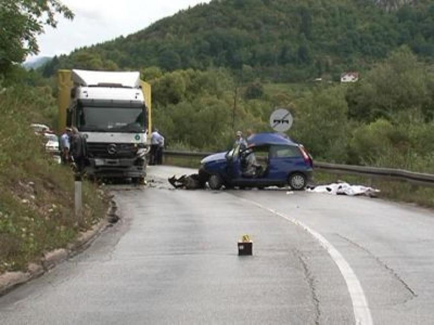 Teška saobraćajna nesreća kod Pala (VIDEO)