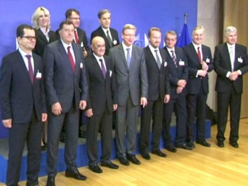 Političarima odgovara nefunkcionalna BiH